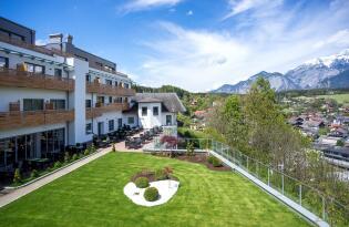 Elegantes Premium Hotel im alpinen Flair vor den Toren Innsbrucks