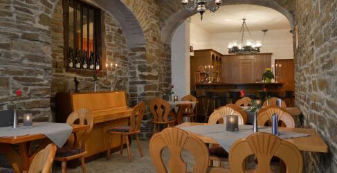 moselhotel-burg-cafe-alken-1