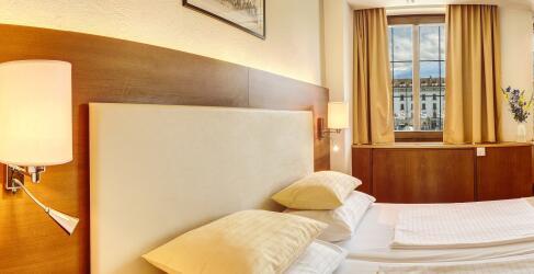 Hotel Mondschein Innsbruck-1