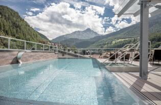 Tiroler Gastlichkeit und detailreiche Eleganz