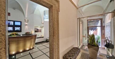 Navona Palace Luxury Inn-2