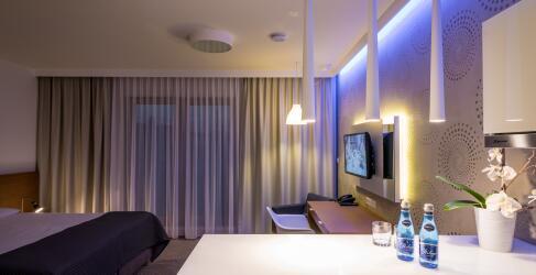 Hotel Invite Breslau-1