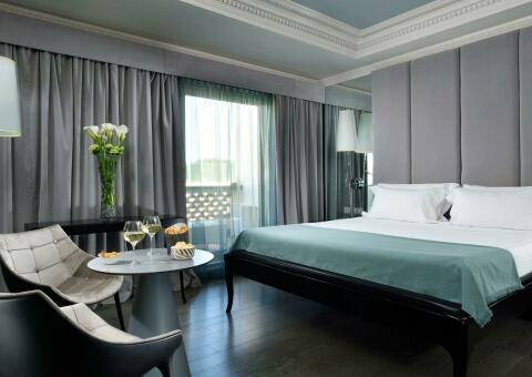 Leon's Place Hotel