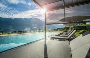 Wellness pur mit atemberaubender Aussicht auf die Tiroler Bergwelt